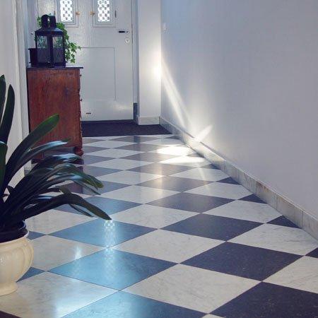 Vloertegels kopen kroon vloeren in steen - Marmeren vloeren ...