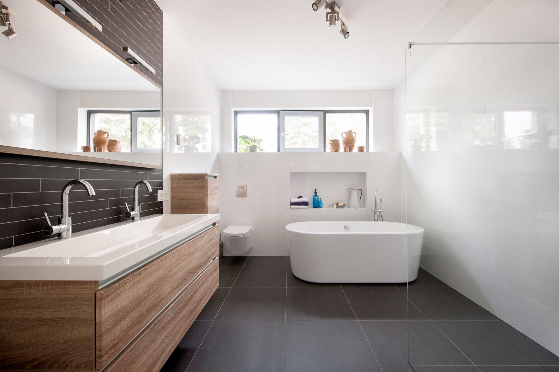 Vloer houten vloeren wit schilderen : Grijze vloertegels in Hardinxveld-Giessendam - KROON Vloeren in Steen