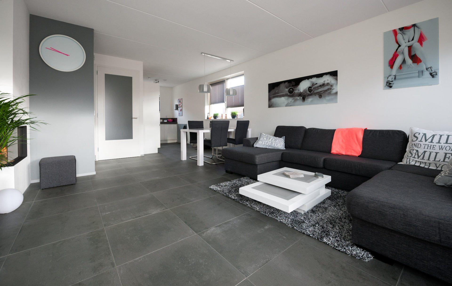 Zwarte tegels woonkamer: gepolijste vloeren mongolian woonkamer ...