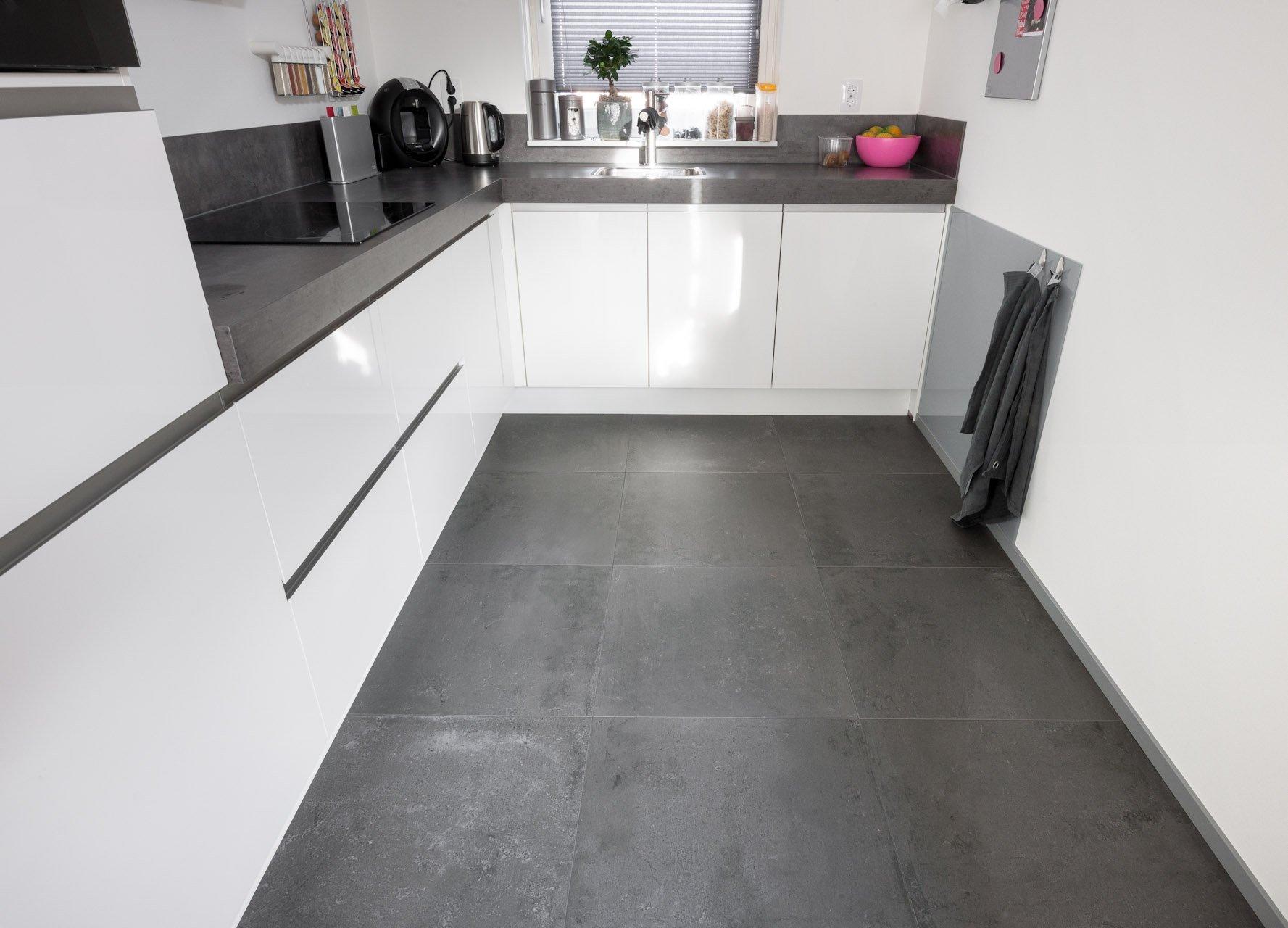 Vloertegels Keuken Antraciet : Antraciet tegels in Nieuw-Lekkerland – KROON Vloeren in Steen