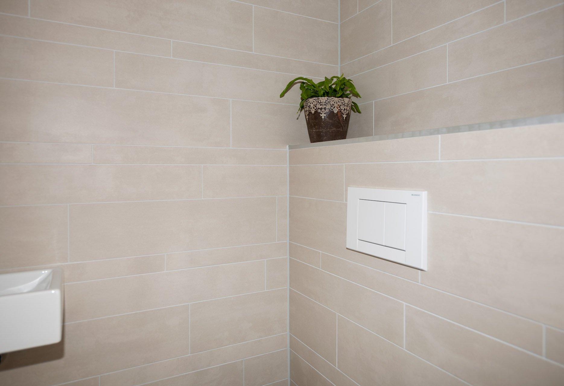 Wandtegels badkamer kroon vloer in steen for Badkamer tegels