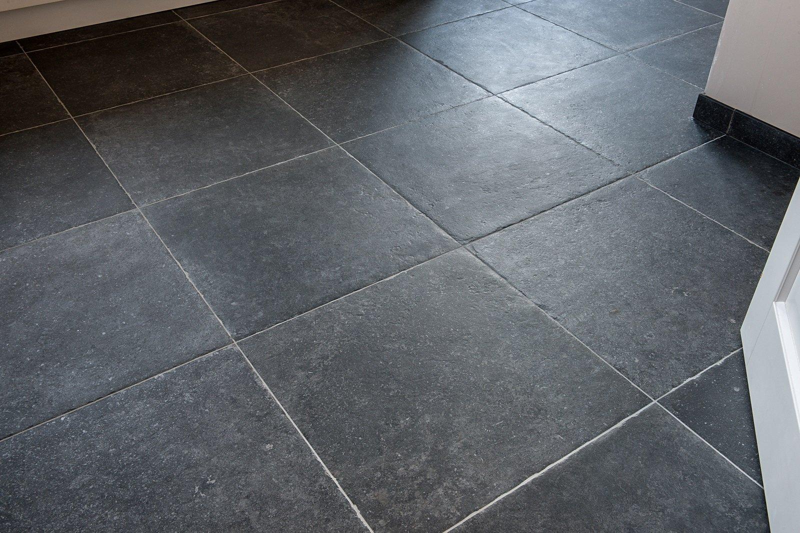 Getrommelde Keramische Vloertegels.Vloeren En Tegels Specialist Stenen Vloeren Kroon Vloeren