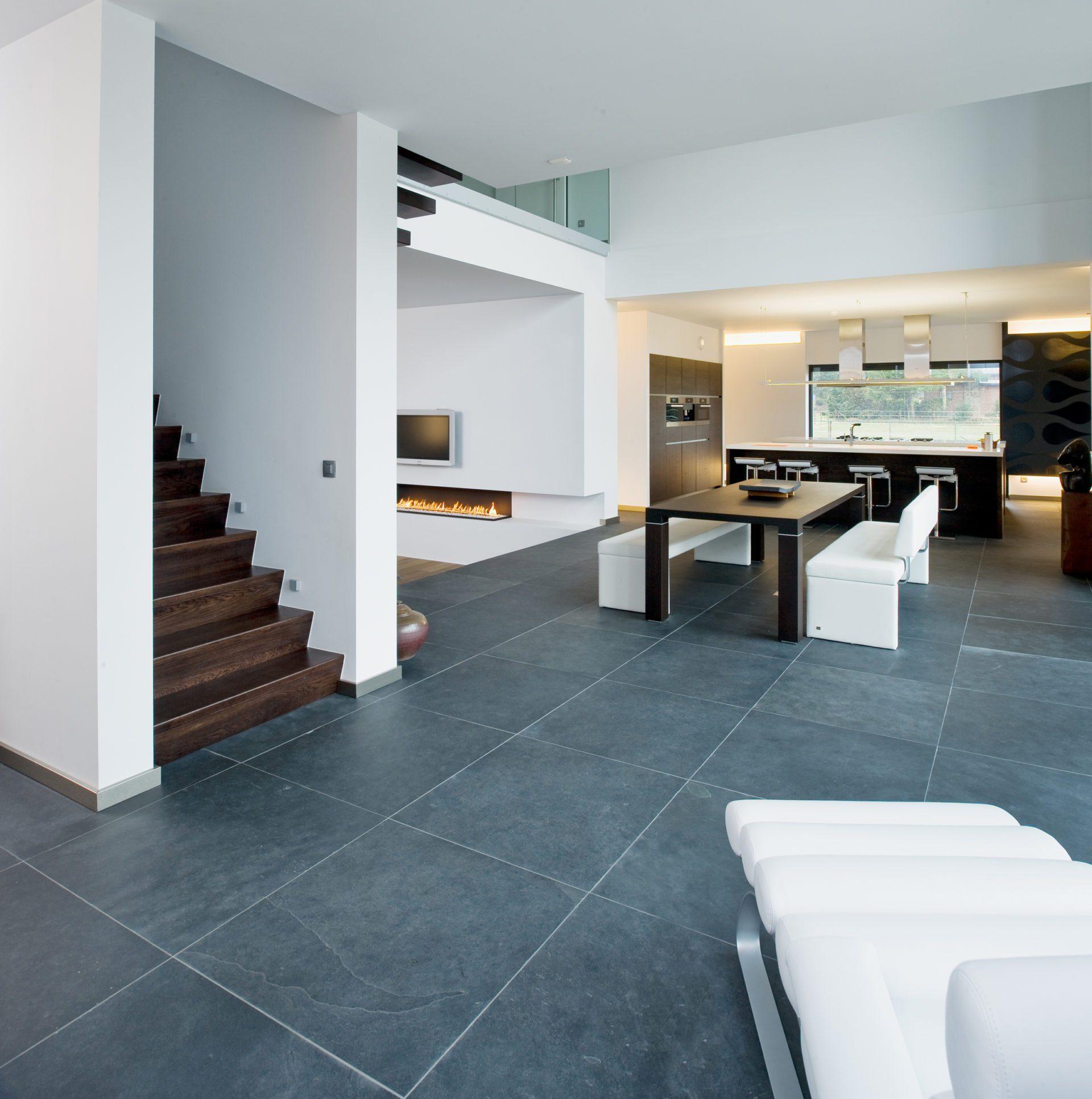 Leisteen vloer prachtige leistenen tegels kroon vloeren Trap in woonkamer