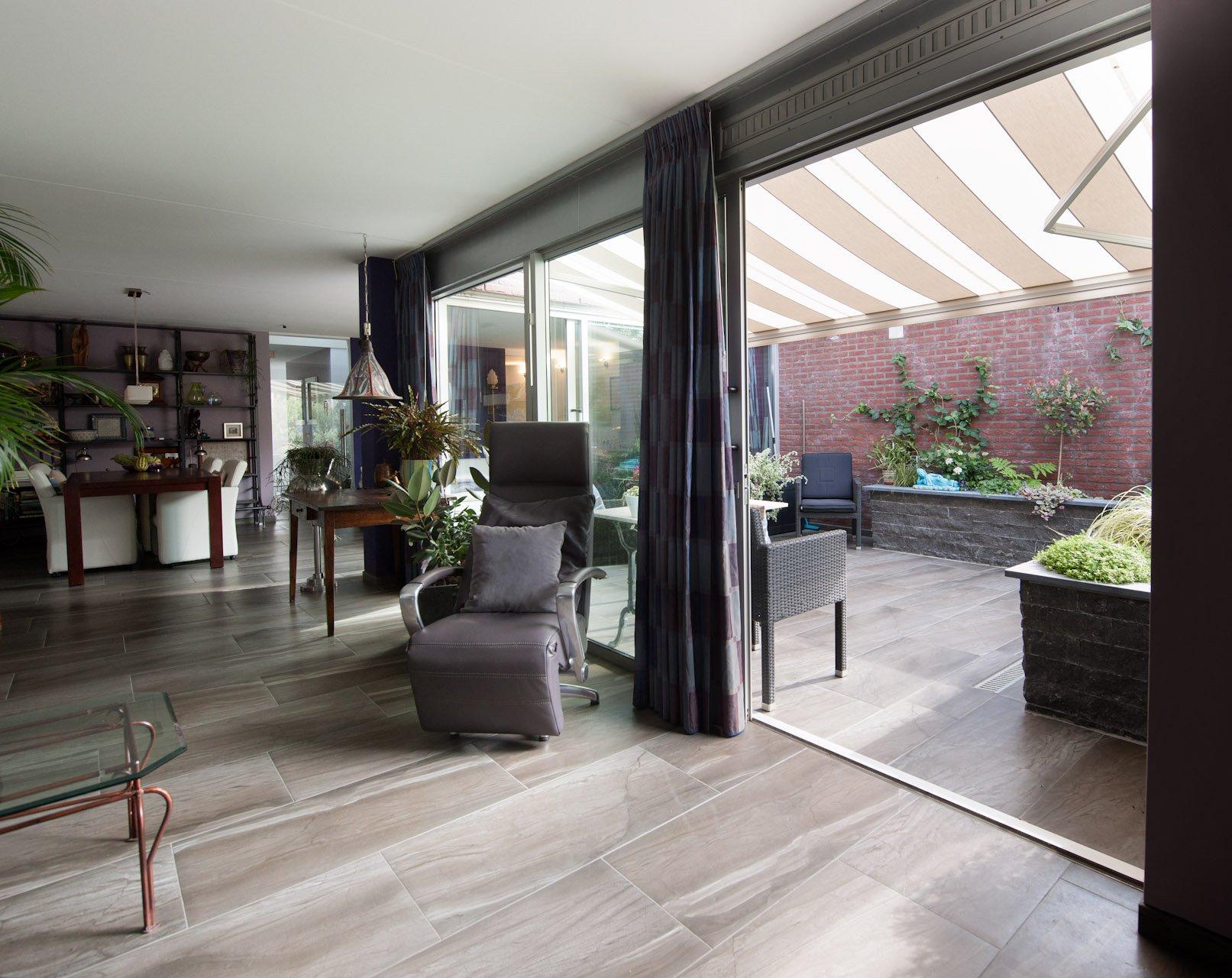 Vloertegels woonkamer - KROON vloeren in Steen