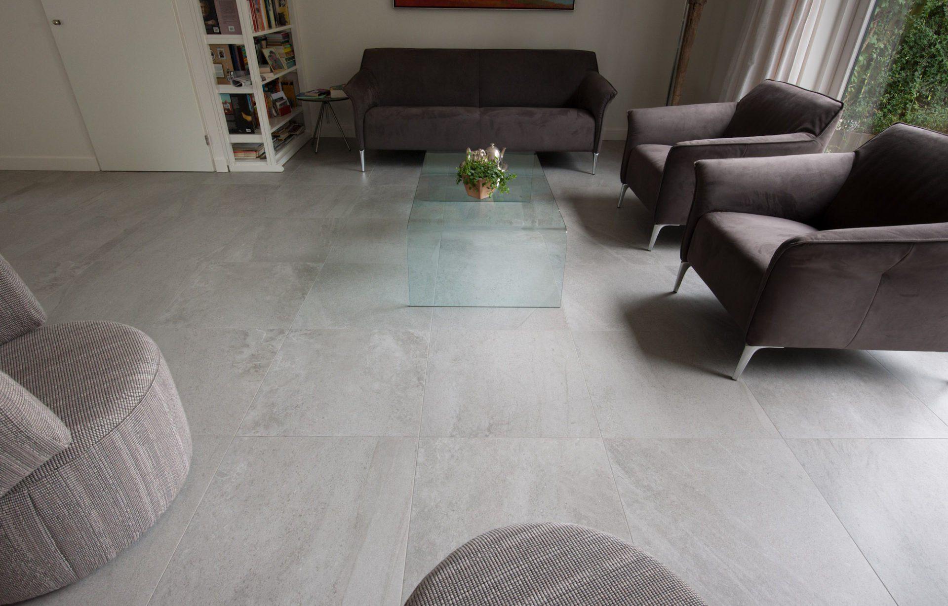 Grijze Tegels Woonkamer : Lounge grijze tegels vloertegels woonkamer kroon vloeren in steen