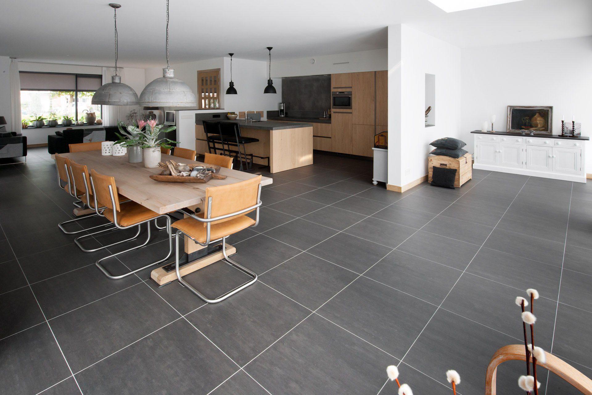 Grijze vloertegels in Hardinxveld-Giessendam - KROON Vloeren in Steen
