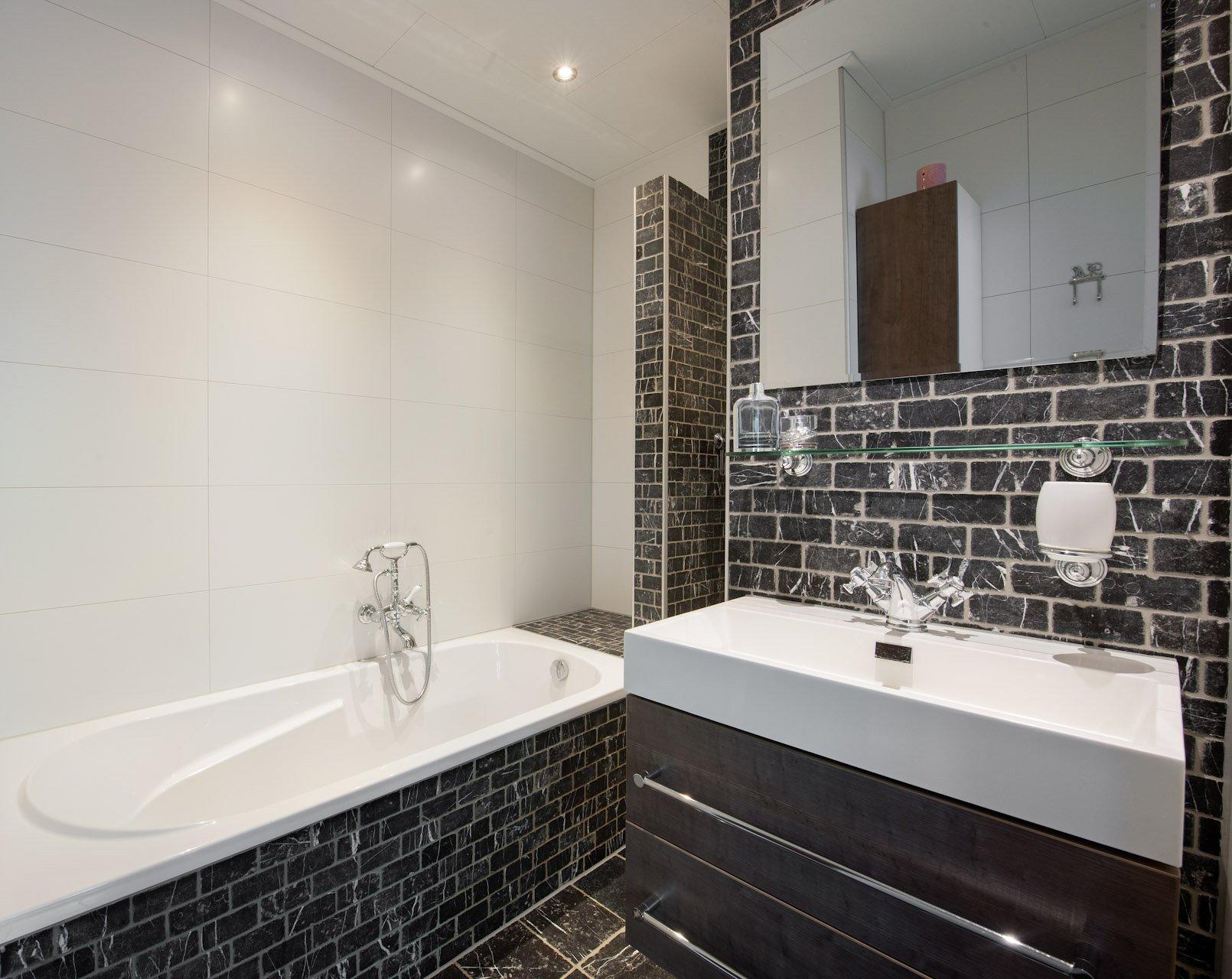 Wandtegels badkamer kroon vloer in steen - Badkamer plan m ...