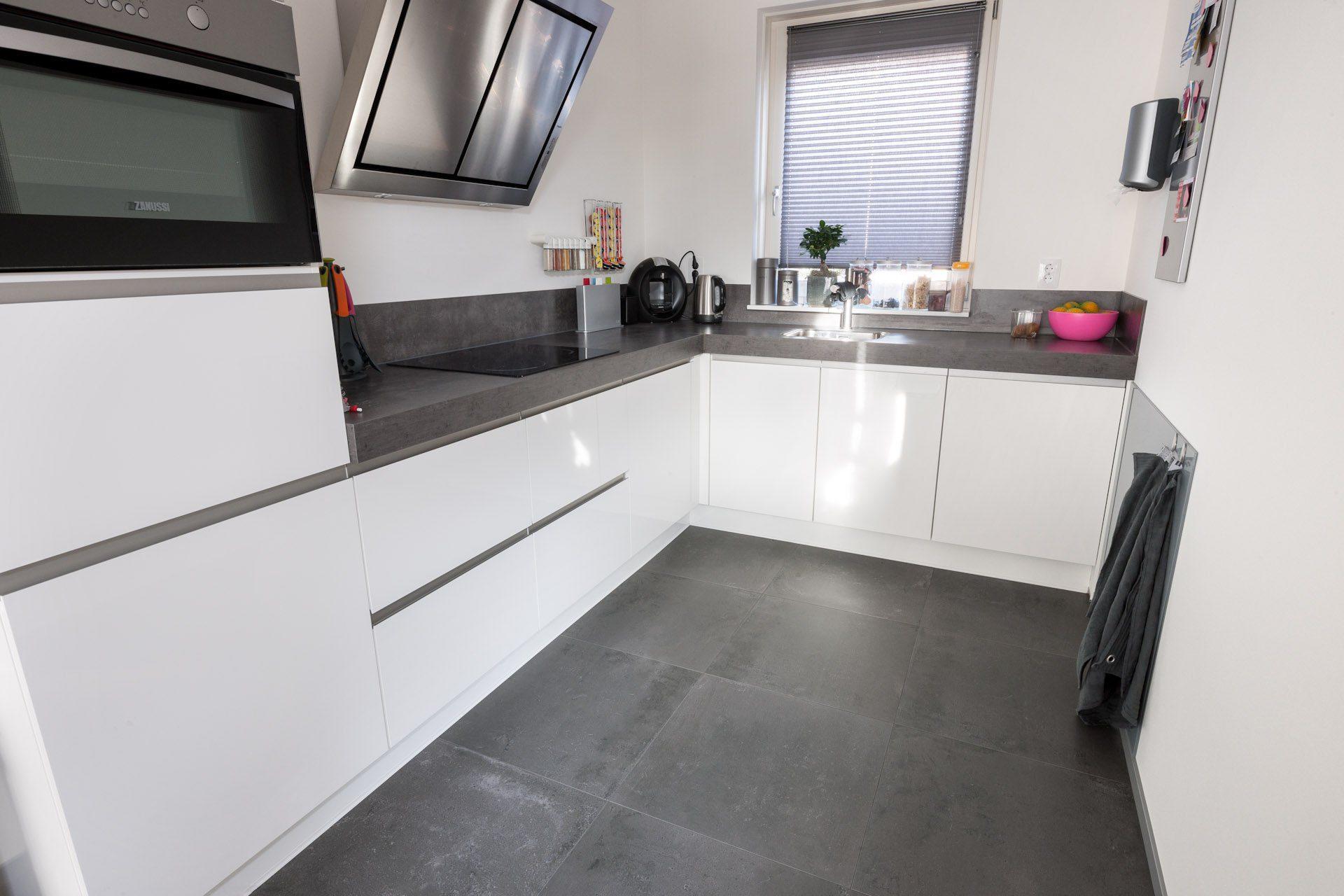 Horeca Vloeren Keuken : Tegelvloeren kroon vloeren in steen