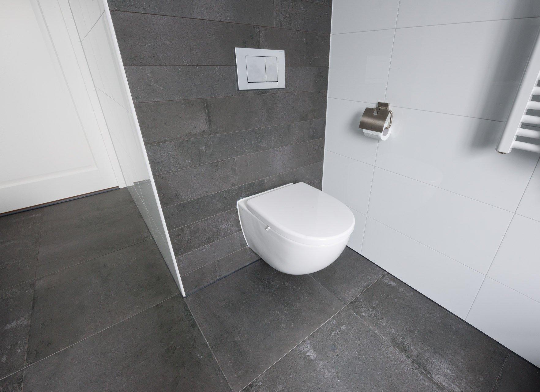 Badkamer Tegels Grijs : Badkamertegels kroon vloeren in steen
