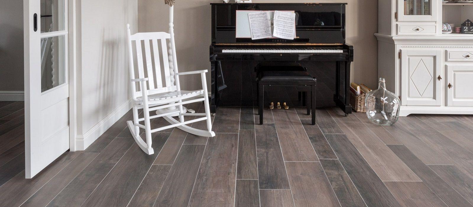 Badkamer badkamervloer laten leggen : Speel met de kleuren van houtlook tegels Bekijk ons assortiment ...